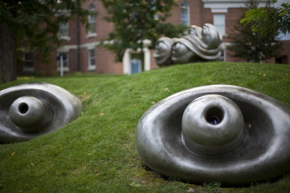 Louise Bourgeois, Eyes (nine elements), 200. Photo by Elizabeth Leitzell