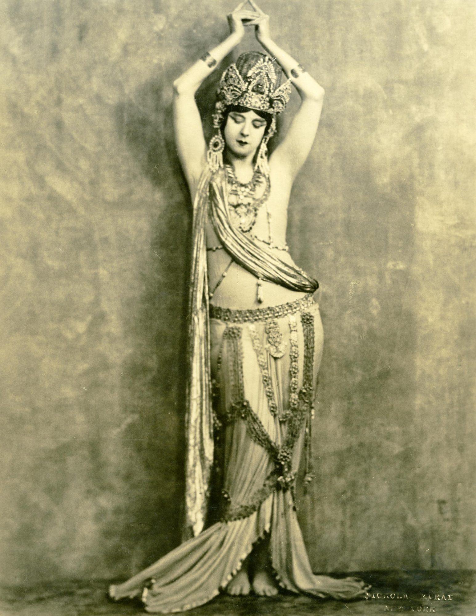 Nickolas Muray, Ruth St. Denis in Kuan Yin, ca. 1919. Courtesy of Jacob's Pillow Dance Festival Archives.